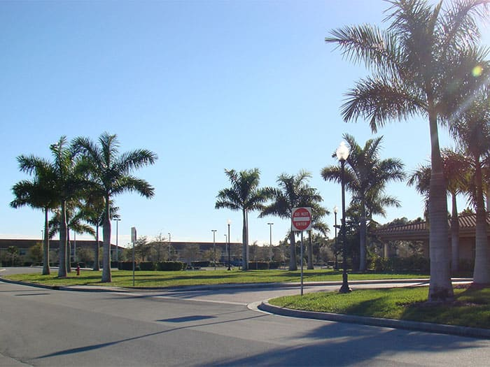 commerical-landscaping-Fort-Myers-141-700