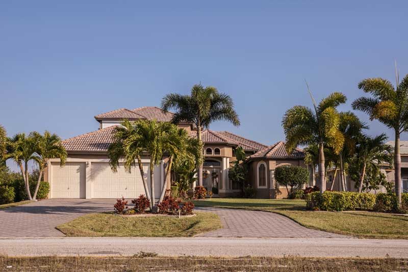 5 Florida Landscaping Ideas to Add More Curb Appeal