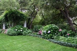 Landscape design victorian english french and colonial for Colonial landscape design